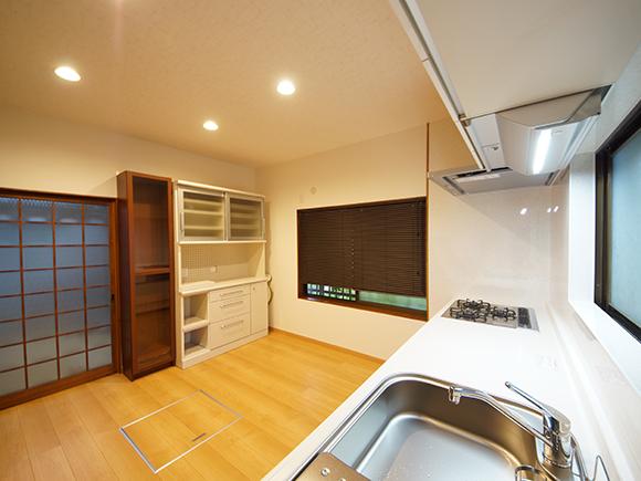 薄暗かった台所を、明るく使いやすく/キッチンリフォーム